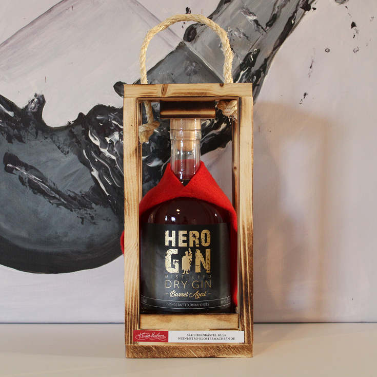 SP24 Barrel Aged Gin in Holzbox 41 %vol. 0,5 l 55,00 €